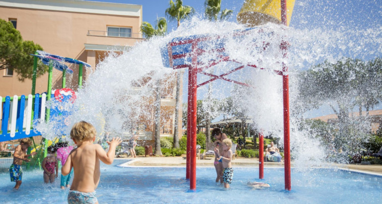Family Hotels In Majorca Lanzarote And Cadiz Hipotels